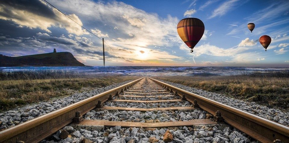 hot-air-balloon-valley-sky-1578272_960_720